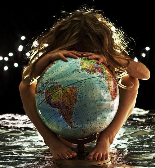 hug globe